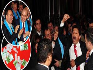 AKP kongresi karıştı, Bakan Bozdağ salonu terk etti