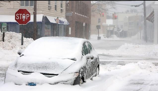 Kar fırtınası başladı acil durum ilan edildi