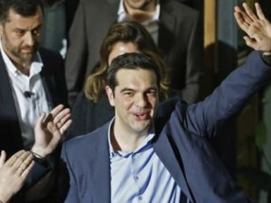 Yunanistan'ın yeni lideri Çipras, yeni kabineyi kurdu