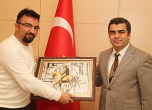 Kayseri Valisi Orhan Düzgün'den  Fotomuz.com'a yakın ilgi
