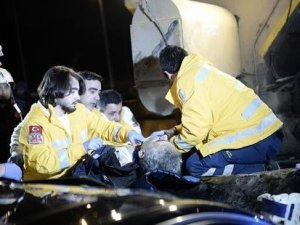 İstanbul'da korkunç kaza: 2 işçi sıkışarak öldü
