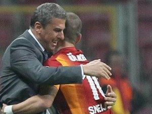 Sneijder'den hocasına jest
