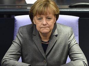 Almanya, Yunanistan'ın borç kesintisini talebini reddetti