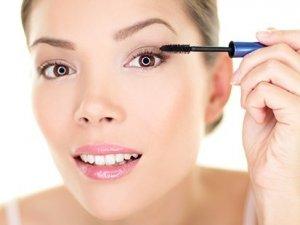 Makyaj malzemeleri menopozu erkene çekiyor
