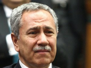 AKP'nin kuruluşunu anlatan Bülent Arınç, bir kez daha ağladı