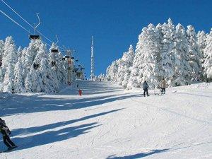Uludağ'da kayak yapmak ölüme davetiye çıkarıyor