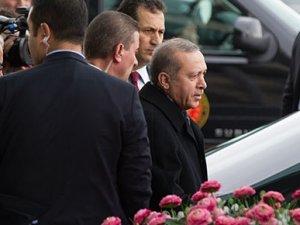 Erdoğan, Orhan Gencebay'la Selda Bağcan'ı karıştırdı!