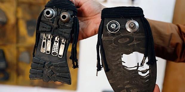 Eski ayakkabılarından IŞİD Militanı yapıyor