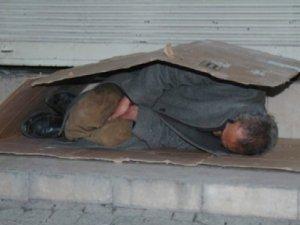 'Camiler, evsiz ve mültecilere açılsın' kampanyası