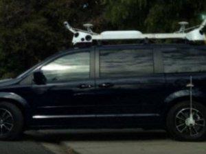 Apple'ın sır otomobili sokaklara indi