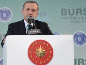 Cumhurbaşkanı Erdoğan isim vermeden oy istedi!