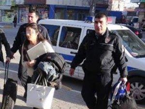 Töreden kaçan aşıkları otobüs şoförü kurtardı
