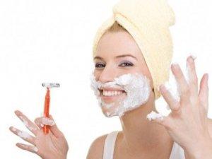 Artık kadınlar da tıraş oluyor