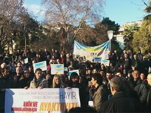 13 Şubat ders boykotuna yasak