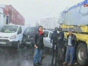 İstanbul D100'de kaza!