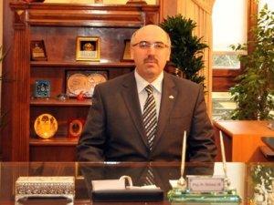 İstanbul Üniversitesi'nin yeni rektörü Mahmut Ak oldu