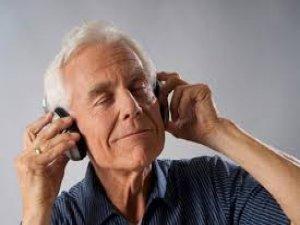 'Müzik yaşlılara iyi gelmiyor'