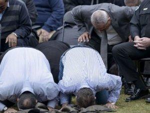ABD öldürülen 3 Müslüman genç toprağa verildi
