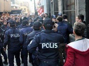 Trabzon'da Özgecan eylemi karıştı