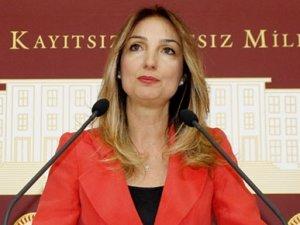 Aylin Nazlıaka'dan Erdoğan'a dans yanıtı