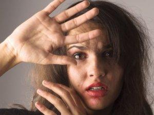 Her 4 saatte 1 kadın tecavüze uğruyor!