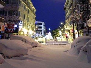 İstanbul'da 28 yılın kar kalınlığı rekoru kırıldı
