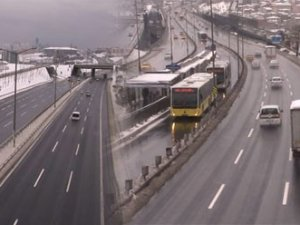 İstanbul'da yollar boş kaldı!