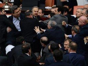 İç güvenlik paketi Meclis'ten geçmeden Meclis'te yaşanıyor