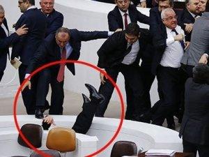 Başbakan Davutoğlu'ndan Meclis'te şiddet açıklaması