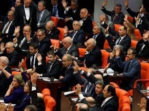 IŞİD'in Türkiye'deki faaliyetlerine yönelik araştırma önergeleri reddedildi
