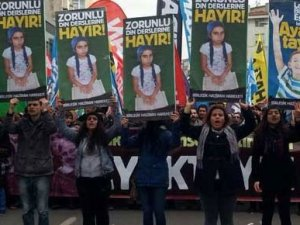 Eğitim boykotuna katılan öğretmeni kovdular!