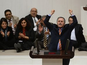 CHP'li Süleyman Çelebi Meclis kürsüsünde 237 kez 'kahrolsun faşizm' dedi