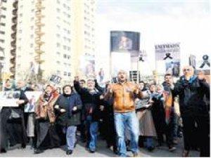 Ataköy'de yine isyan yürüyüşü