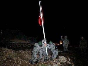 Emekli tuğgeneral Ali Er: Bayrağın böyle dikilmesi kanuna aykırı