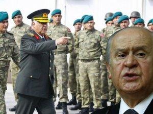 MHP: Eskiden asker, siyasi liderlere karşı koyacak yürekliliği gösterirdi