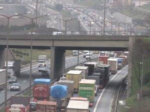 Köprü trafiği felç oldu: 1 kişi hayatını kaybetti