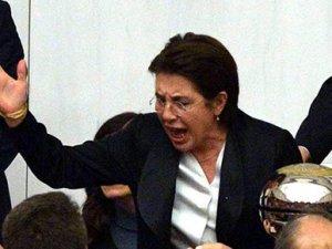 Ayşenur Bahçekapılı Meclis'te bayıldı