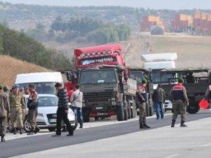 Diyarbakır, Silvan'da askeri konvoya ateş açıldı