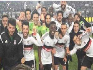 Beşiktaş'tan zafer selfiesi