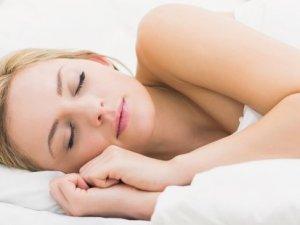 8 saatten fazla uyku felç edebilir