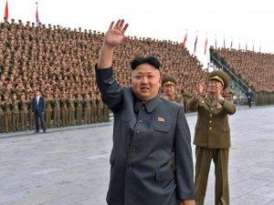 Kuzey Kore tatbikata kızdı, füze fırlattı