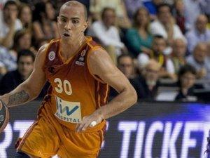 Carlos Arroyo takımdan ayrıldı