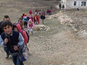 Tuvalet için okuldan eve gidiyorlar