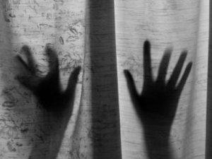 Tecavüzle hamile kaldı, tehditle bebeğini öldürdü
