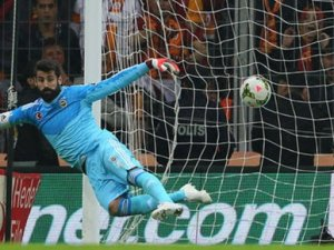 Sneijder'den Volkan'a rest