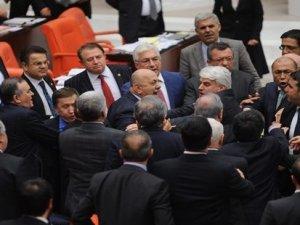 MHP'li Lütfü Türkkan'a iki oturum cezası