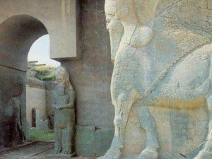 IŞİD 3 bin yıllık antik kenti yok ediyor