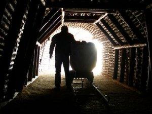 Soma maden işçileri tazminatlarını bekliyor