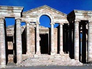 IŞİD, 2 bin yıllık antik kent Hatra'yı yıkıyor