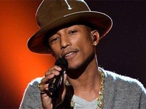 İki şarkıcıya rekor ceza